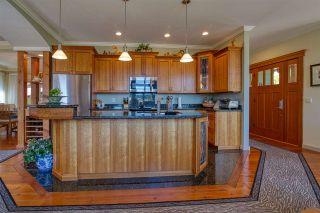 Photo 4: 6416 MARMOT Road in Sechelt: Sechelt District House for sale (Sunshine Coast)  : MLS®# R2479817