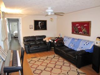 """Photo 5: 22 9960 WILSON Road in Mission: Mission-West Manufactured Home for sale in """"RUSKIN PLACE"""" : MLS®# F1415955"""