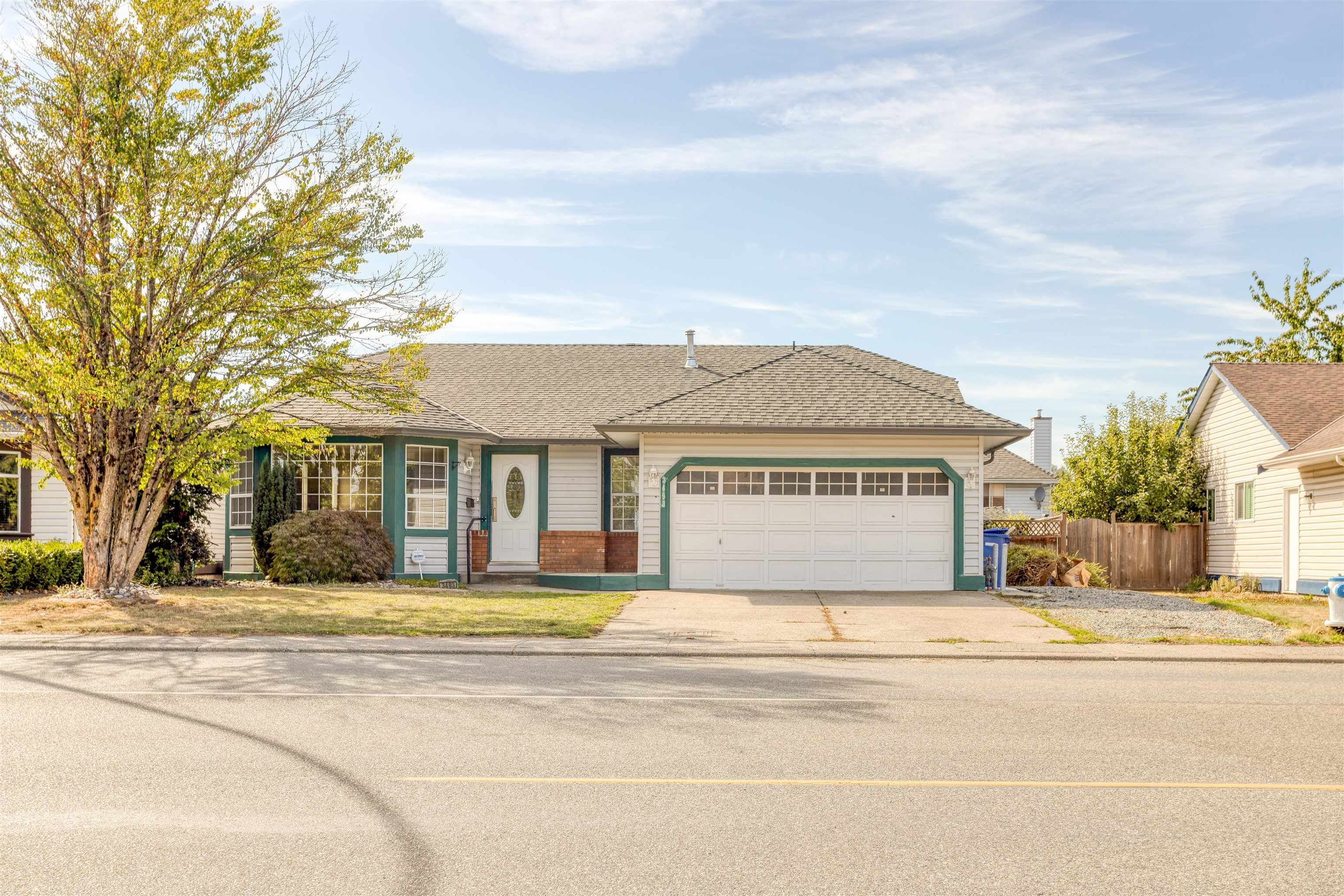 Main Photo: 3493 TRETHEWEY Street in Abbotsford: Abbotsford West House for sale : MLS®# R2616443