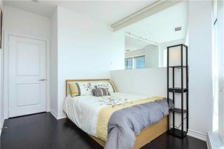 Photo 3: 386 Yonge St Unit #5711 in Toronto: Bay Street Corridor Condo for sale (Toronto C01)  : MLS®# C3611063