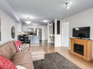 """Photo 5: 304 1969 WESTMINSTER Avenue in Port Coquitlam: Glenwood PQ Condo for sale in """"THE SAPHHIRE"""" : MLS®# R2504819"""