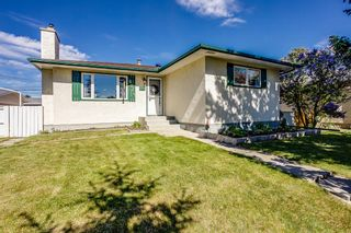 Main Photo: 6044 4 Street NE in Calgary: Thorncliffe Detached for sale : MLS®# A1115924