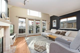 """Photo 2: 208 25 RICHMOND Street in New Westminster: Fraserview NW Condo for sale in """"FRASERVIEW"""" : MLS®# R2423119"""