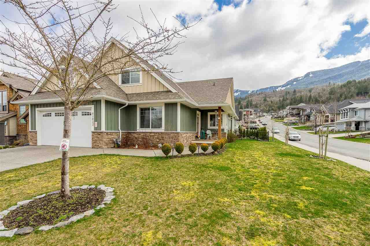 Photo 3: Photos: 51022 SOPHIE Crescent in Chilliwack: Eastern Hillsides House for sale : MLS®# R2437084