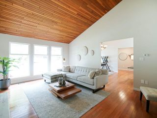 Photo 14: 763 WEYMOUTH Drive in North Vancouver: Lynn Valley House for sale : MLS®# R2557549
