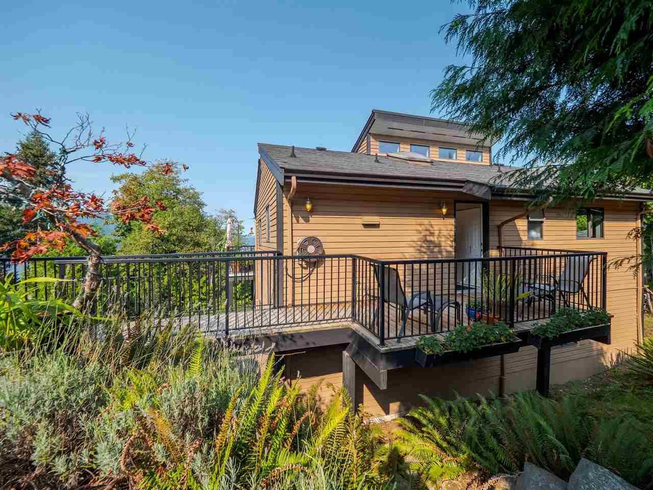 Main Photo: 5852 SKOOKUMCHUK Road in Sechelt: Sechelt District House for sale (Sunshine Coast)  : MLS®# R2504448