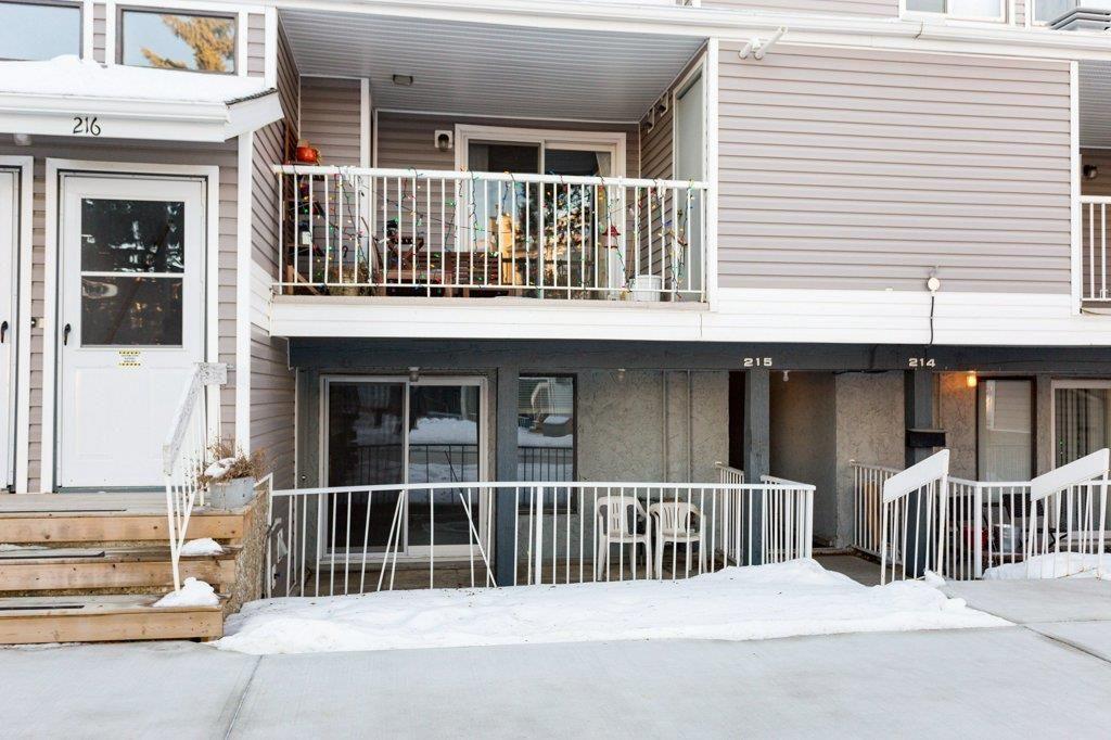 Main Photo: 215 10404 24 Avenue in Edmonton: Zone 16 Carriage for sale : MLS®# E4222478