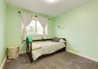 Photo 17: 243 Midridge Crescent SE in Calgary: Midnapore Detached for sale : MLS®# A1152811