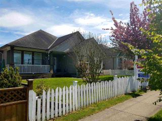 Photo 1: 6852 184 Street in Surrey: Cloverdale BC House for sale (Cloverdale)  : MLS®# R2163014