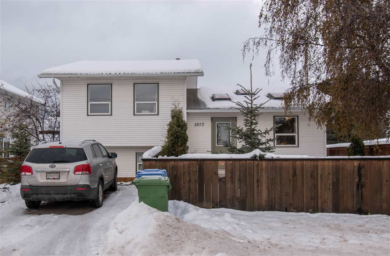 Main Photo: 1077 MANITOBA Street in Smithers: Smithers - Town House for sale (Smithers And Area (Zone 54))  : MLS®# R2520294