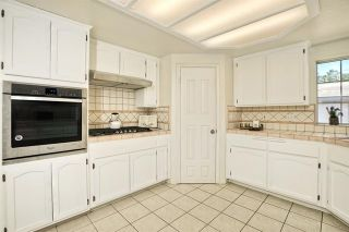 Photo 9: 331 Beaumont Ct in Vista: Residential for sale (92084 - Vista)  : MLS®# 170045073