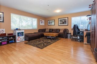 Photo 3: 18185 64 ave in Surrey: Cloverdale BC House for sale (Cloverdale)  : MLS®# R2064928