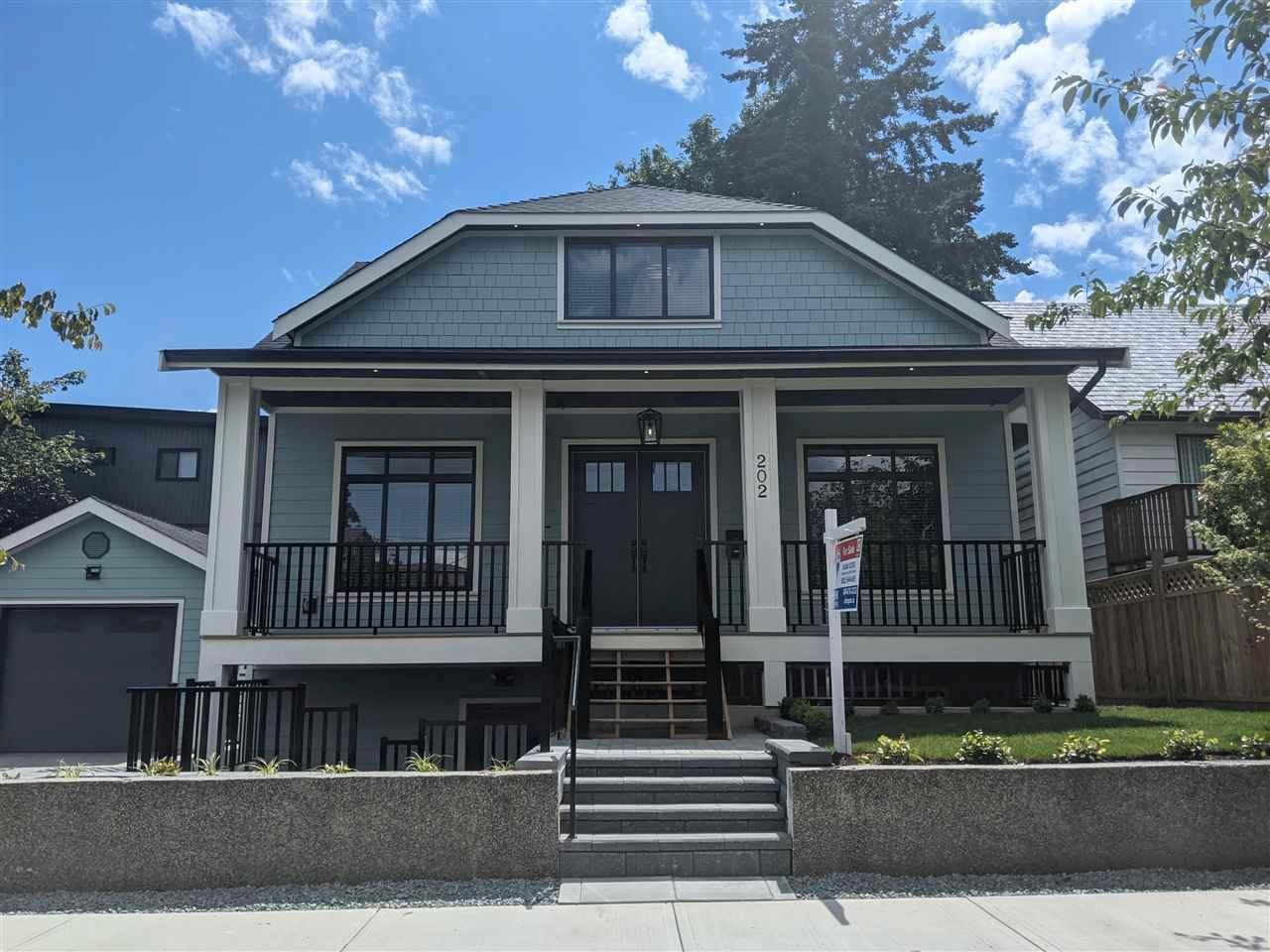 Main Photo: 202 SEVENTH Avenue in New Westminster: GlenBrooke North House for sale : MLS®# R2586568
