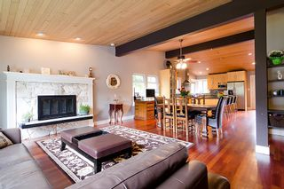 Photo 4: 1782 ROSS Road in North Vancouver: Lynn Valley House for sale : MLS®# V954135