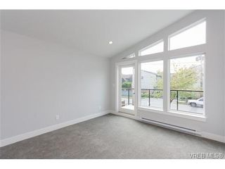 Photo 12: 254 Ontario St in VICTORIA: Vi James Bay Half Duplex for sale (Victoria)  : MLS®# 651971