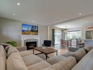 Photo 4: 832 Alvarado Terr in : SE Cordova Bay House for sale (Saanich East)  : MLS®# 875592