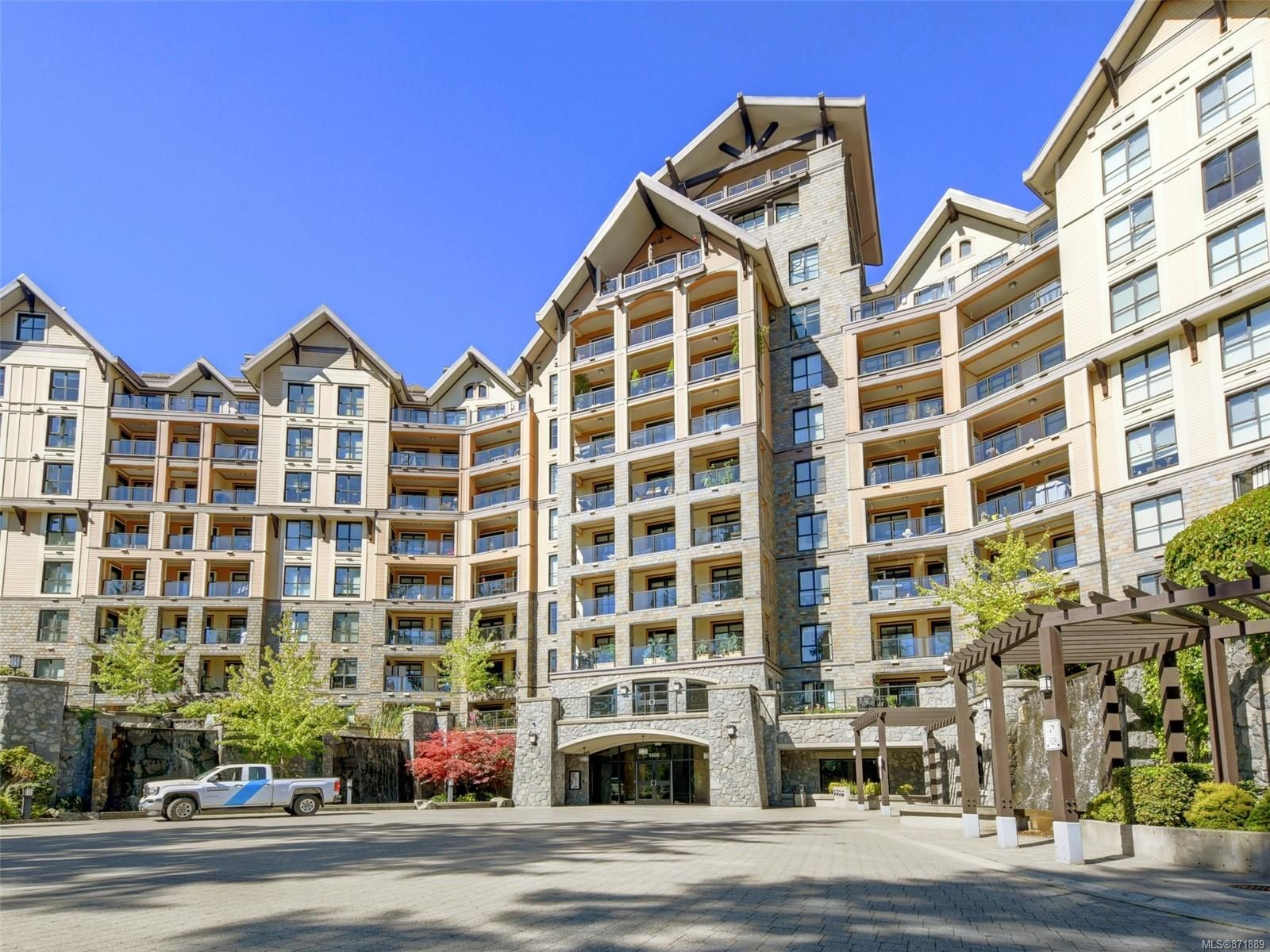 Main Photo: 612 1400 Lynburne Pl in : La Bear Mountain Condo for sale (Langford)  : MLS®# 871889