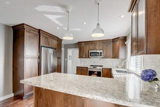 Photo 7: 2956 LATHOM Crescent SW in Calgary: Lakeview Detached for sale : MLS®# C4263838