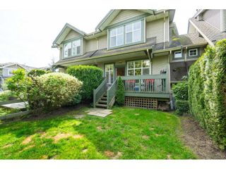 "Photo 2: 23 6050 166TH Street in Surrey: Cloverdale BC Townhouse for sale in ""WESTFIELD"" (Cloverdale)  : MLS®# R2365390"