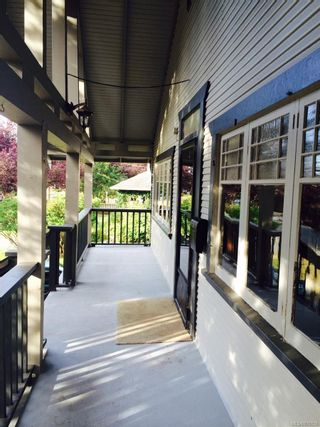 Photo 4: 486 Fraser St in : Es Saxe Point House for sale (Esquimalt)  : MLS®# 870128