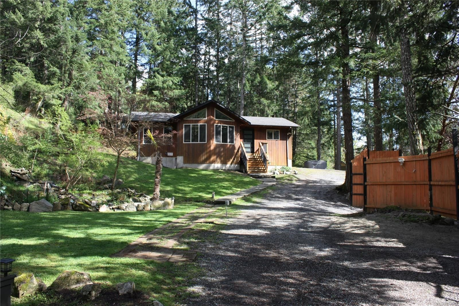 Main Photo: 1653 Millstream Rd in : Hi Western Highlands House for sale (Highlands)  : MLS®# 874002