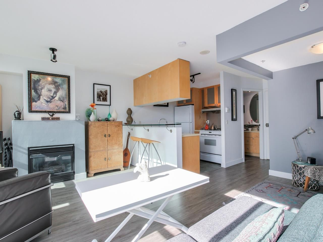 """Main Photo: 1305 1003 BURNABY Street in Vancouver: West End VW Condo for sale in """"MILANO"""" (Vancouver West)  : MLS®# R2048234"""