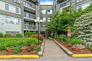 """Photo 2: 1 5700 200TH Street in Langley: Langley City Condo for sale in """"LANGLEY VILLAGE"""" : MLS®# R2582490"""