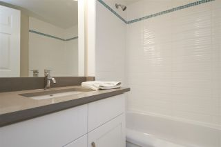"""Photo 14: 304 1459 BLACKWOOD Street: White Rock Condo for sale in """"CHARTWELL"""" (South Surrey White Rock)  : MLS®# R2393628"""