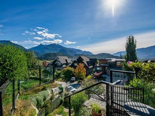 """Main Photo: 40866 THE CRESCENT in Squamish: University Highlands House for sale in """"UNIVERSITY HEIGHTS"""" : MLS®# R2619055"""