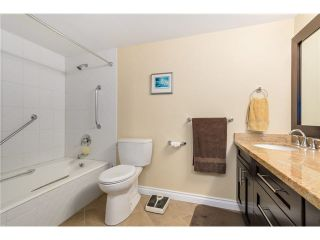 """Photo 10: 704 1450 PENNYFARTHING Drive in Vancouver: False Creek Condo for sale in """"Harbour Cove"""" (Vancouver West)  : MLS®# V1103725"""