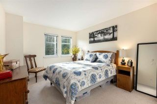 """Photo 21: 1148 STRATHAVEN Drive in North Vancouver: Northlands Townhouse for sale in """"Strathaven"""" : MLS®# R2579287"""
