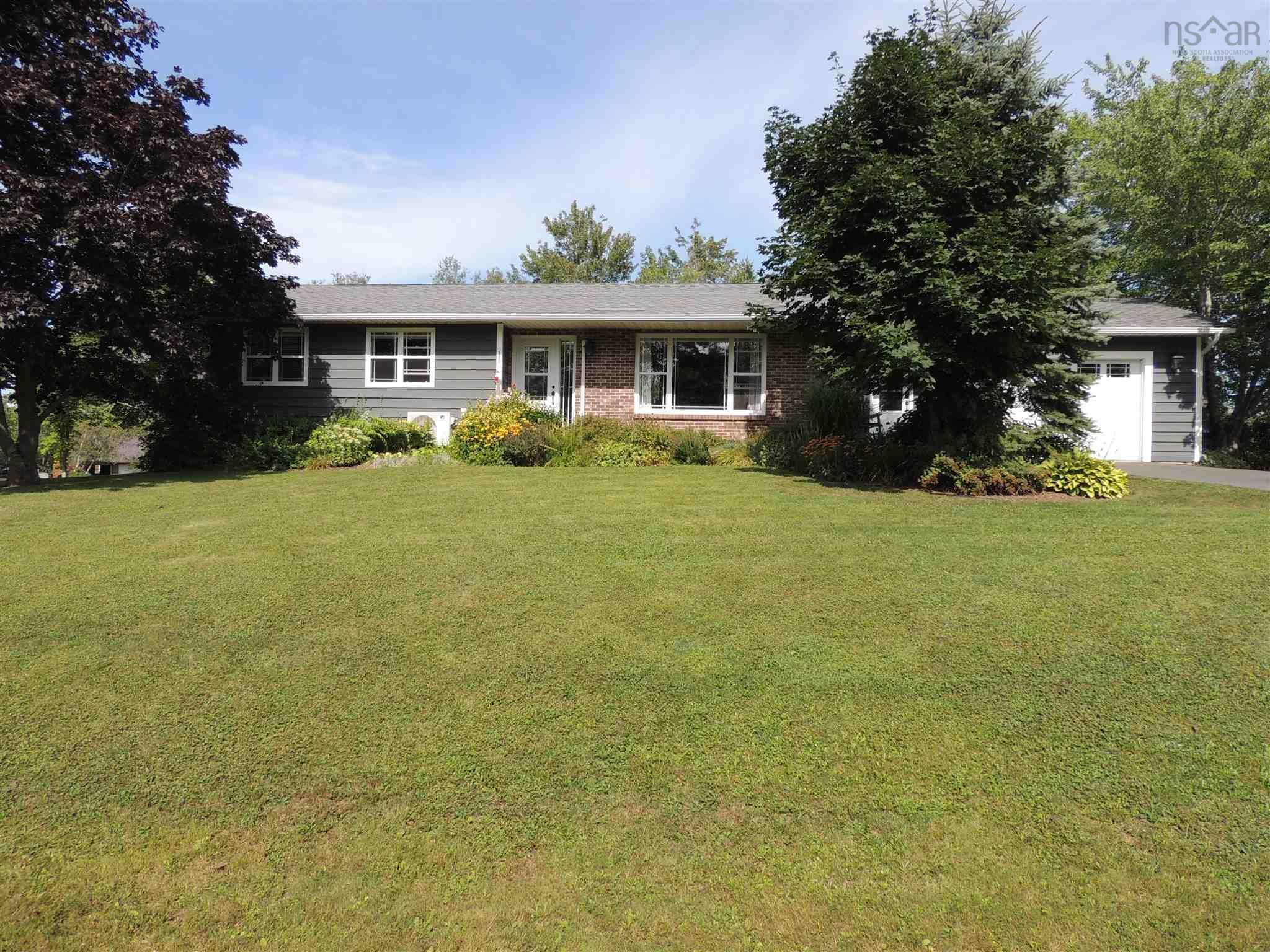 Main Photo: 1 Angie Walk in Milford: 105-East Hants/Colchester West Residential for sale (Halifax-Dartmouth)  : MLS®# 202122327