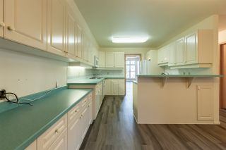 Photo 3: 9735 91 Street NW in Edmonton: Zone 18 Carriage for sale : MLS®# E4240247