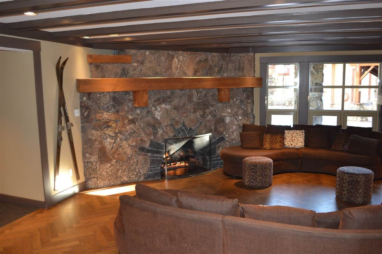 "Photo 8: Photos: 336 2036 LONDON Lane in Whistler: Whistler Creek Condo for sale in ""Legends"" : MLS®# R2501885"