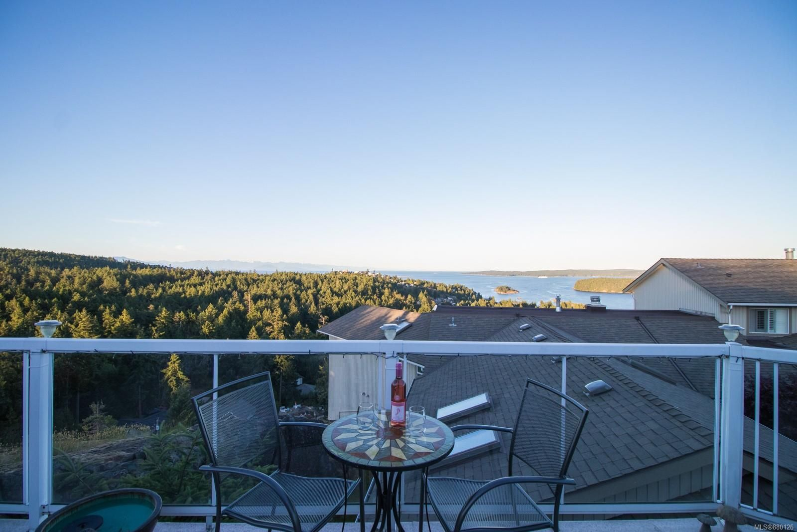 Main Photo: 3210 Point Pl in : Na Departure Bay Row/Townhouse for sale (Nanaimo)  : MLS®# 880126