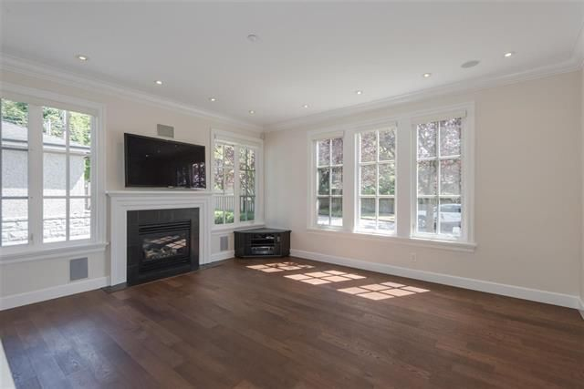 Photo 7: Photos: 1739 W 52ND AV in VANCOUVER: South Granville House for sale (Vancouver West)  : MLS®# R2234704