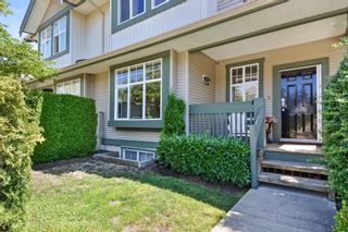 "Photo 2: 1 6050 166 Street in Surrey: Cloverdale BC Townhouse for sale in ""WESTFIELD"" (Cloverdale)  : MLS®# R2291538"