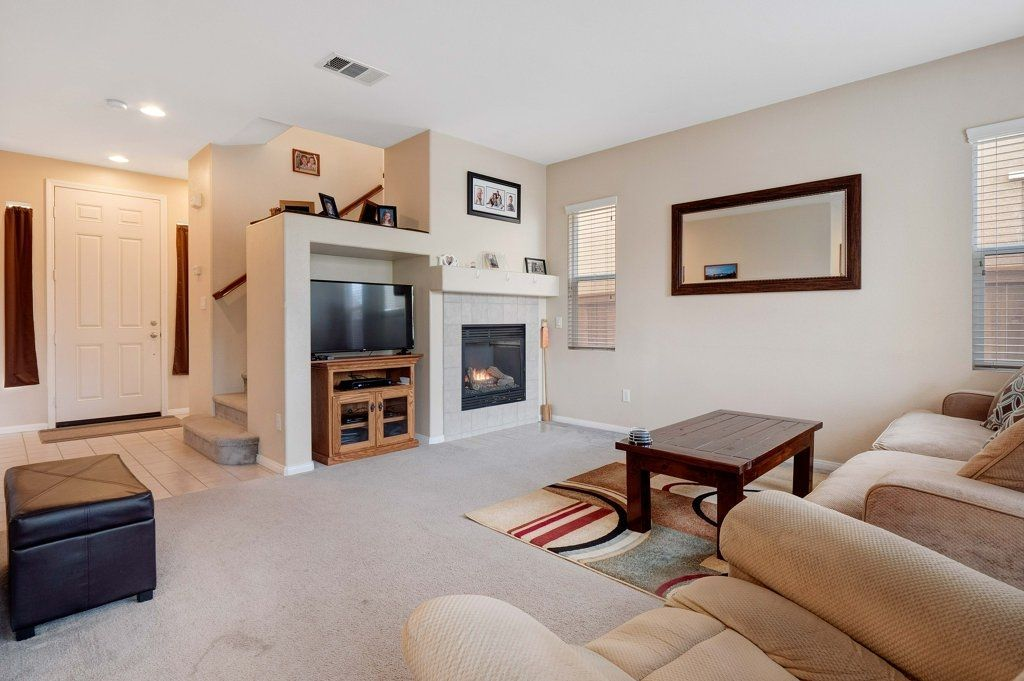 Photo 5: Photos: NATIONAL CITY House for sale : 3 bedrooms : 4102 Verde View