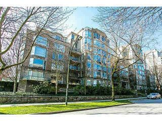 """Photo 1: 303 500 W 10TH Avenue in Vancouver: Fairview VW Condo for sale in """"Cambridge Court"""" (Vancouver West)  : MLS®# R2050237"""