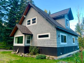 Photo 3: 4060 WHISTLER Road in Smithers: Smithers - Rural House for sale (Smithers And Area (Zone 54))  : MLS®# R2616606