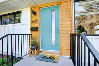 Photo 3: 5612 Ladbrooke Drive SW in Calgary: Lakeview Detached for sale : MLS®# A1128442