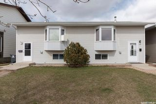 Photo 1: 106-108 Hedley Street in Saskatoon: Forest Grove Residential for sale : MLS®# SK850638