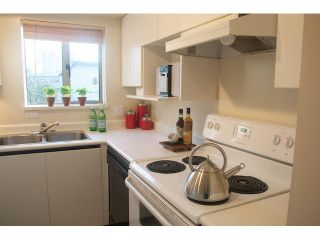 """Photo 6: 304 1166 W 11TH Avenue in Vancouver: Fairview VW Condo for sale in """"WESTVIEW PLACE"""" (Vancouver West)  : MLS®# V868684"""
