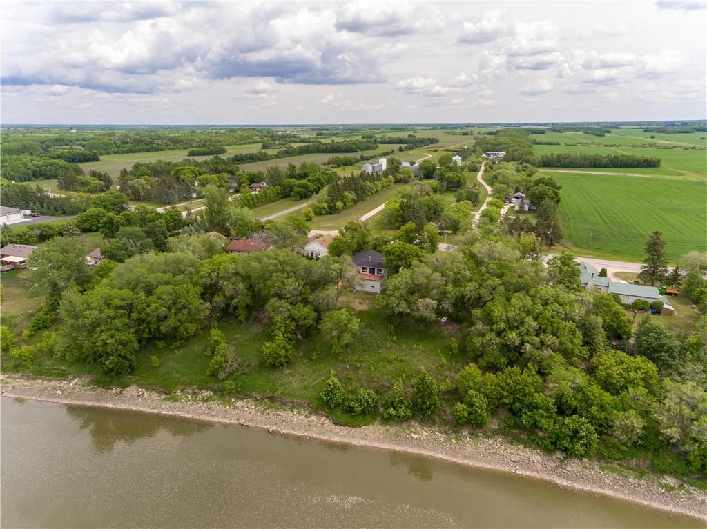 Main Photo: 7568 HENDERSON Highway in St Clements: R02 Residential for sale : MLS®# 202116336