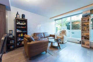 "Photo 7: 2405 HEATHER Street in Vancouver: Fairview VW Townhouse for sale in ""700 WEST 8TH"" (Vancouver West)  : MLS®# R2366688"