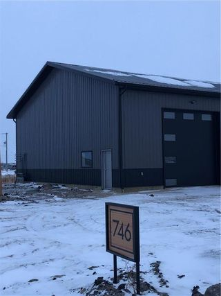Photo 1: 1 746 Schultz Avenue in Niverville: R07 Industrial / Commercial / Investment for lease : MLS®# 202101941