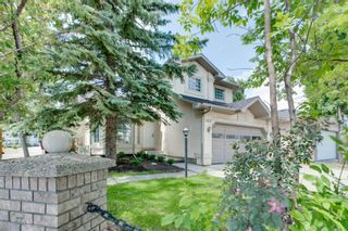 Main Photo: 569 Shawinigan Drive SW in Calgary: Shawnessy Detached for sale : MLS®# A1123108