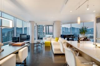 """Photo 5: 3402 1111 ALBERNI Street in Vancouver: West End VW Condo for sale in """"Shangri-La Live/Work"""" (Vancouver West)  : MLS®# R2482149"""