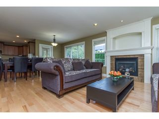 Photo 8: 32792 HOOD Avenue in Mission: Mission BC House for sale : MLS®# R2119405
