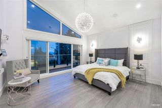 Photo 33: 13531 MARINE Drive in Surrey: Crescent Bch Ocean Pk. House for sale (South Surrey White Rock)  : MLS®# R2543344
